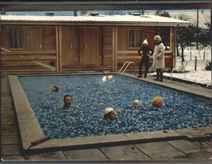 Witzenhausen Pension Birkenhain Schwimmbad mit Euro Matic Abdeckkugeln Kat. Witzenhausen