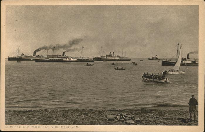 Helgoland Dampfer auf Reede Landung Menschen im Boot / Helgoland /Pinneberg LKR