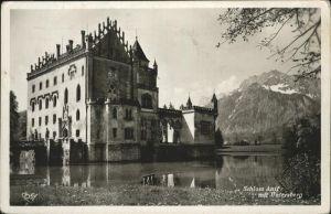 Salzburg Oesterreich Schloss Anif Weiher mit Untersberg Noerdliche Kalkalpen Kat. Salzburg