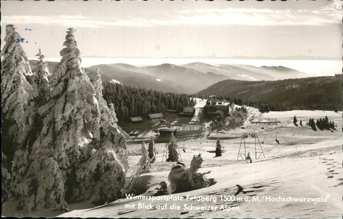 Feldberg Schwarzwald Wintersportplatz mit Blick auf die Schweizer Alpen Skilift Kat. Feldberg (Schwarzwald)