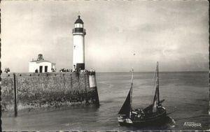 Le Treport Le Phare et une Barque Leuchtturm Kat. Le Treport