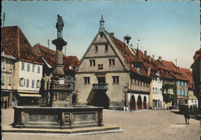 Obernai Bas Rhin Vieille fontaine et halle au ble