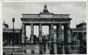 Berlin Berlin Brandenburger Tor * / Berlin /Berlin Stadtkreis