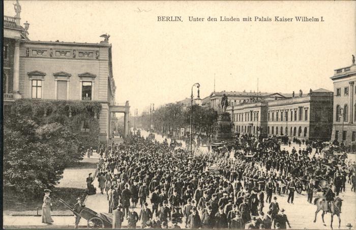 Berlin Unter den Linden Palais Kaiser Wilhelm Pferd / Berlin /Berlin Stadtkreis