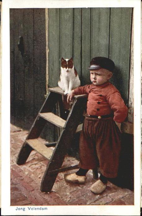 Trachten Junge Katze Volendam / Trachten /