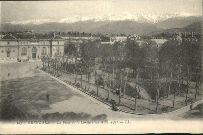Grenoble Grenoble Place Constitution * / Grenoble /Arrond. de Grenoble