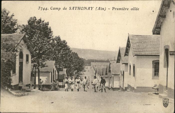 Sathonay-Camp Premiere allee Kat. Sathonay-Camp