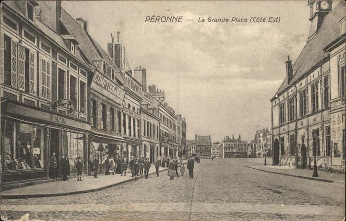 Peronne Somme Grande Place / Peronne /Arrond. de Peronne