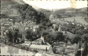 kk12120 Lourdes Hautes Pyrenees La Basilique et les Chutes du Gave Kategorie. Lourdes Alte Ansichtskarten