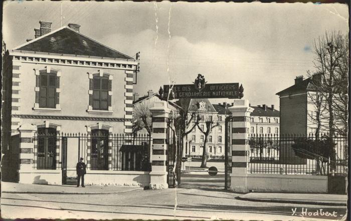 kk12278 Melun Seine et Marne Ecole des Officiers de la Gendarmerie Nationale Kategorie. Melun Alte Ansichtskarten