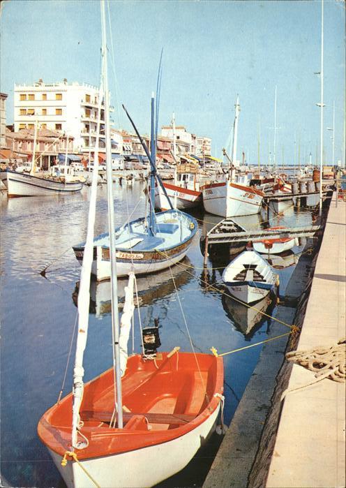 Palavas les Flots Herault Le canal et bateaux de peche