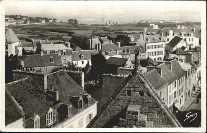 Saint-Pol-de-Leon  *