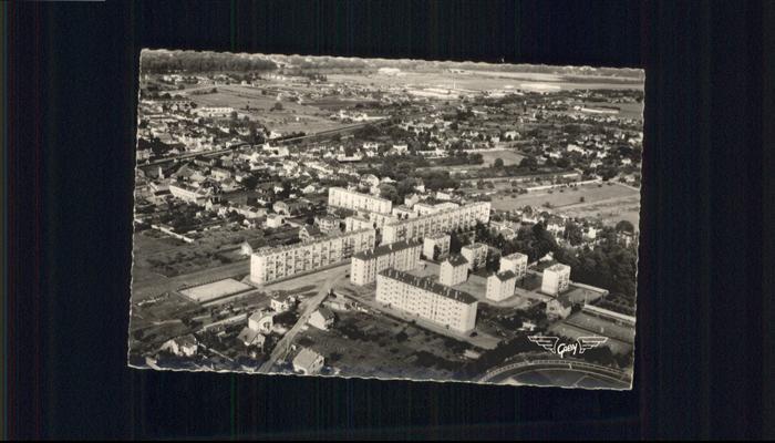 wb19606 Les Mureaux Fliegeraufnahme Habitations Renault Kategorie. Les Mureaux Alte Ansichtskarten