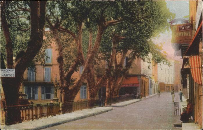 wb20304 Le Luc place et Rue de la Republique Kategorie. Le Luc Alte Ansichtskarten