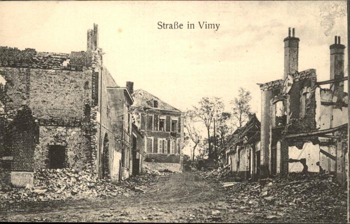 Vimy Strasse in Vimy  / Vimy /Arrond. d Arras