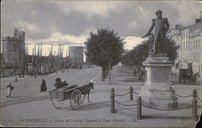 La Rochelle Charente-Maritime Statue Amiral Cours Richard Kutsche / La Rochelle /Arrond. de La Rochelle