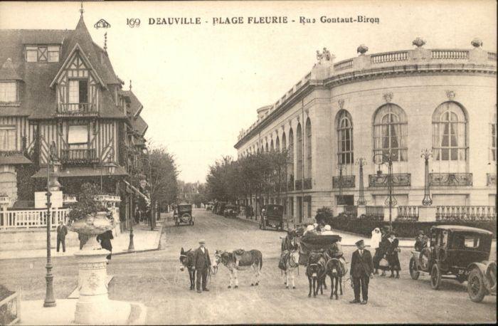 Deauville-Plage-Fleurie Rue Gontaut-Biron *