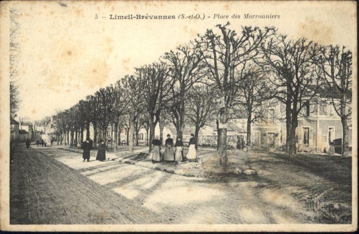 Limeil-Brevannes Place des Marronniers *