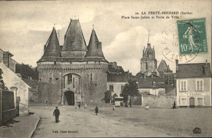 La Ferte-Bernard Place Saint-Julien Porte  x