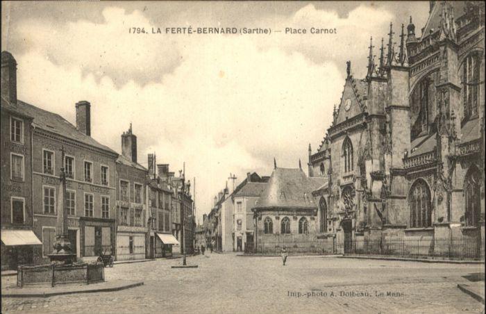 La Ferte-Bernard Place Carnot Brunnen *