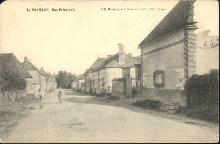 Le Pavillon Rue Principale  x
