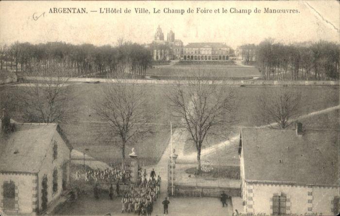 Argentan Champ Hotel de Ville Foire Manouevres *