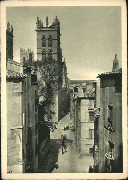 Montpellier Rue St Pierre Cathedrale *