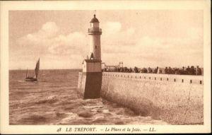 Le Treport La Phare La Jetee *