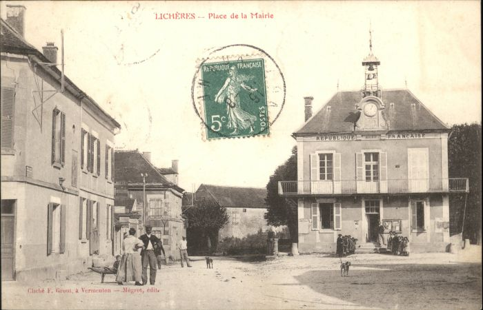 Licheres Place Mairie x