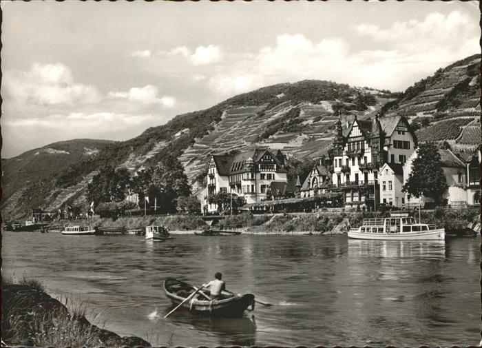Assmannshausen Historischer Gasthof Krone Schiffe Ruderboot / Ruedesheim am Rhein /