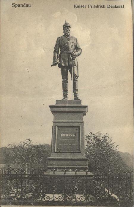 Denkmal Kaiser Friedrich Denkmal Spandau / Denkmaeler /
