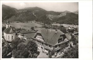 Schleching Ortsansicht mit Kirche Gasthof zur Post Chiemgauer Alpen Kat. Schleching