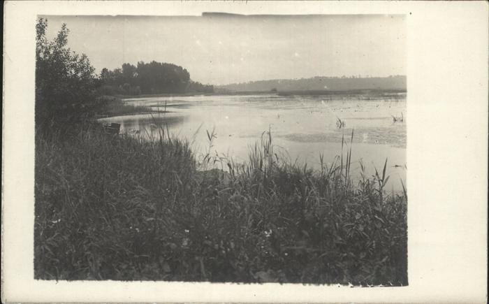 Clery-sur-Somme Partie am Seeufer / Clery-sur-Somme /Arrond. de Peronne
