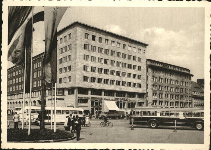 Essen Ruhr Haeuser am Bahnhof Autos Busse Strasse Kat. Essen