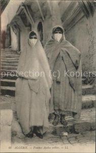 Araber Femmes Arabes voilees Scenes et Types Algerie Kat. Typen