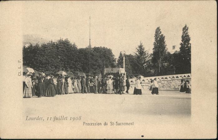 Lourdes Hautes Pyrenees Procession du Saint Sacrement / Lourdes /Arrond. d Argeles-Gazost