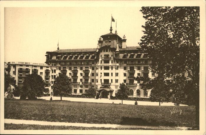 Evian-les-Bains Haute Savoie Royal Hotel  / Evian-les-Bains /Arrond. de Thonon-les-Bains