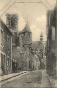 ws74821 Nevers Nievre Nevers Rue Cathedrale * Kategorie. Nevers Alte Ansichtskarten