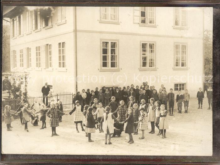 Schule Kinder Ringelreihen / Kinder /