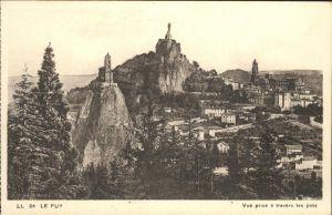 Le Puy de Dome Vue prise a travers les pins eglise monument Kat. Ceilloux