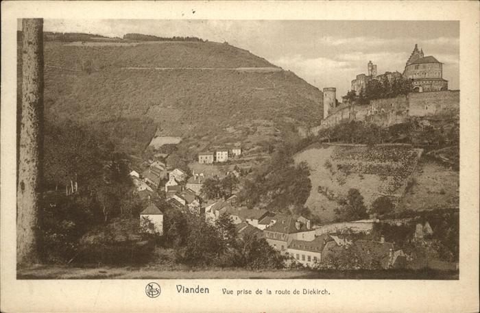 Vianden Vue prise de la route de Diekirch
