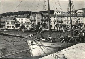 Crikvenica Kroatien Hafenpartie Schiffe / Kroatien /