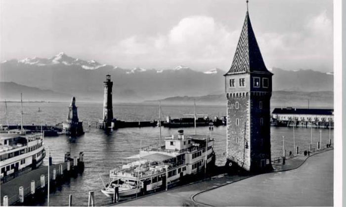 Lindau Bodensee Lindau Bodensee Hafen Leuchtturm * / Lindau (Bodensee) /Lindau LKR