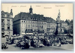 Dresden Dresden Altmarkt Rathaus Blumenmarkt Siegesdenkmal * / Dresden Elbe /Dresden Stadtkreis