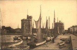La Rochelle Charente-Maritime La Rochelle Sortie du Port * / La Rochelle /Arrond. de La Rochelle