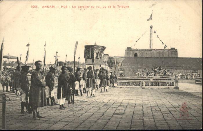 Hue Annam Cavalier Roi Tribune *