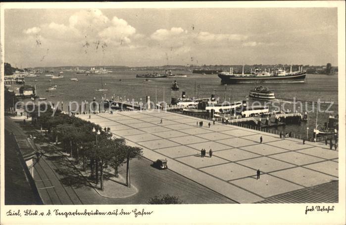 Kiel Blick von den Seegartenbruecken auf den Hafen Schiffe Kat. Kiel