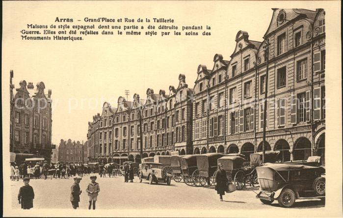 Arras Pas de Calais Grande Place et Rue de la Taillerie Automobile Kat. Arras