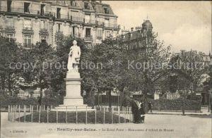 Neuilly sur Seine Le Rond Point Monument d Alfred de Musset Kat. Neuilly sur Seine