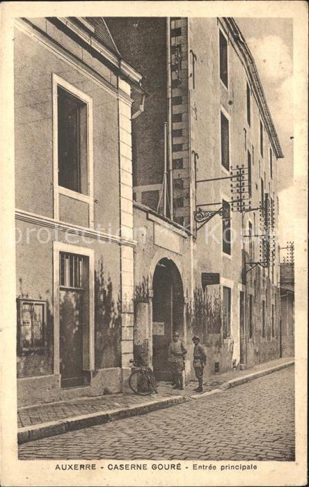 Auxerre Caserne Goure Entree principale / Auxerre /Arrond. d Auxerre